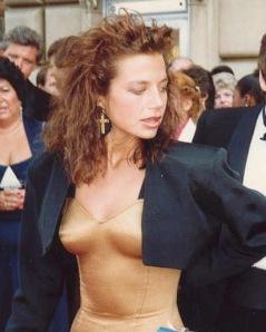 from http://en.wikipedia.org/wiki/File:Justine_bateman_9-20-1987.jpg